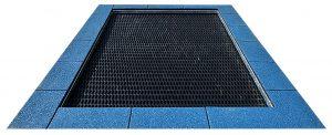 Trampolin color 2022, Randplatten blau, Sprungmatte schwarz